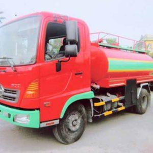 xe tải hino FC9JESW phun nước rửa đường