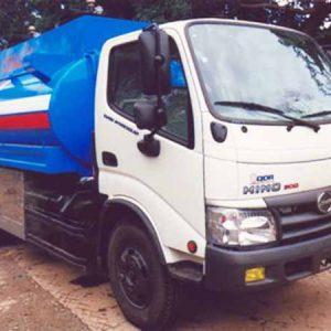 xe tải hino wu342l chở xăng dầu bồn 6 khối
