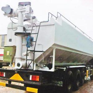 xe tải hyundai HD360 chở thức ăn gia súc