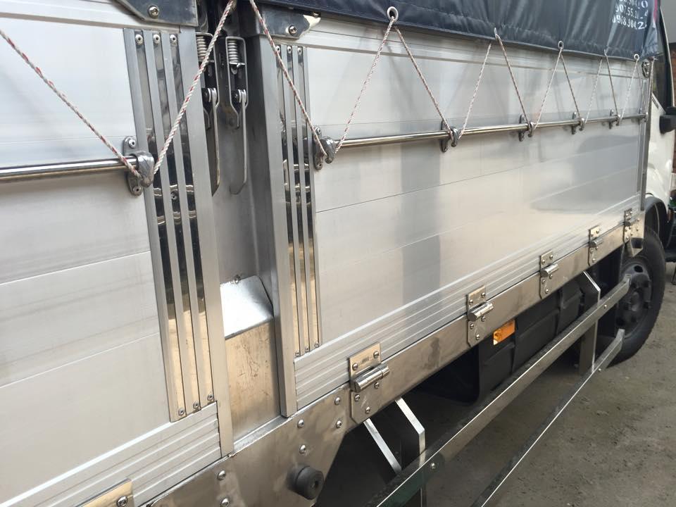 thùng xe tải isuzu đóng thùng xe chuyên dùng